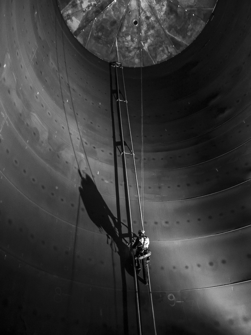 Rope acces confined space constructing